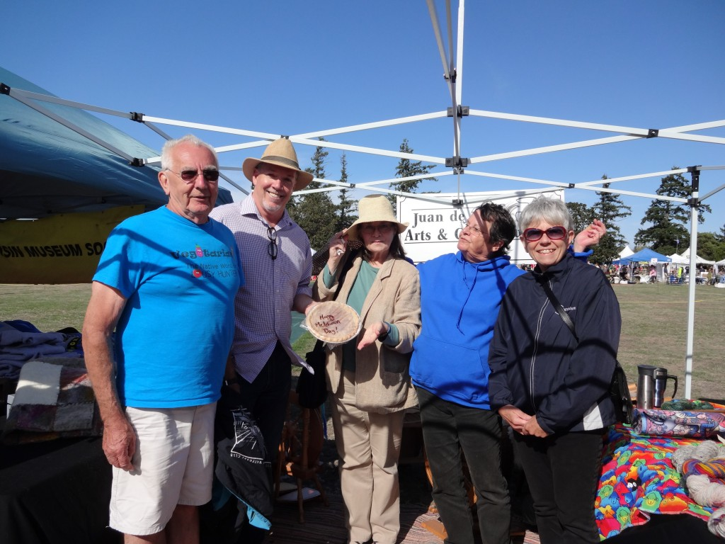 John Horgan with folks from the Westshore Arts and Crafts Guild Boot Metchosin Sept 2015 025